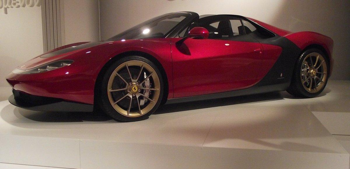 Breng een bezoek aan het Ferrari museum